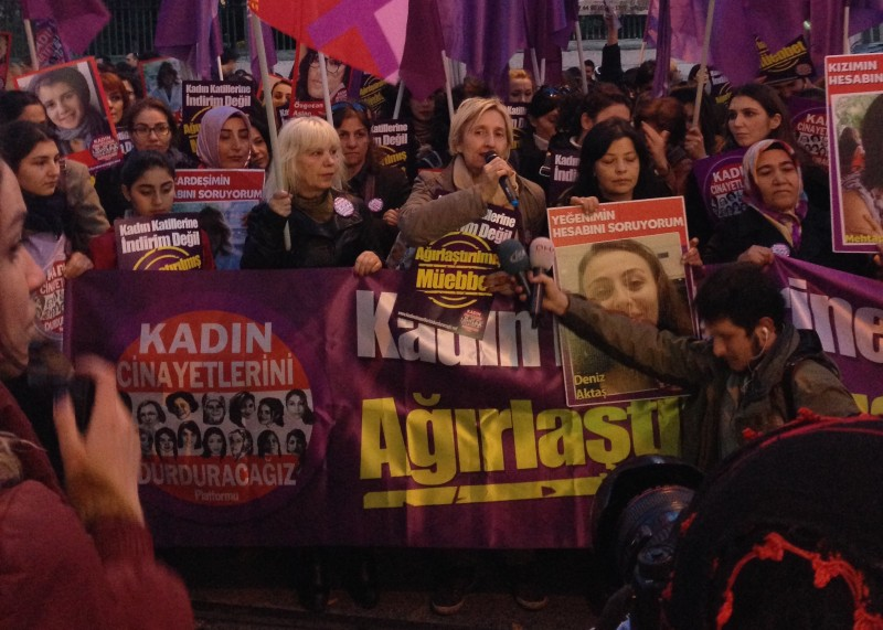 Post against women homicides in Istanbul. Photo by Nazlı Yırtar.