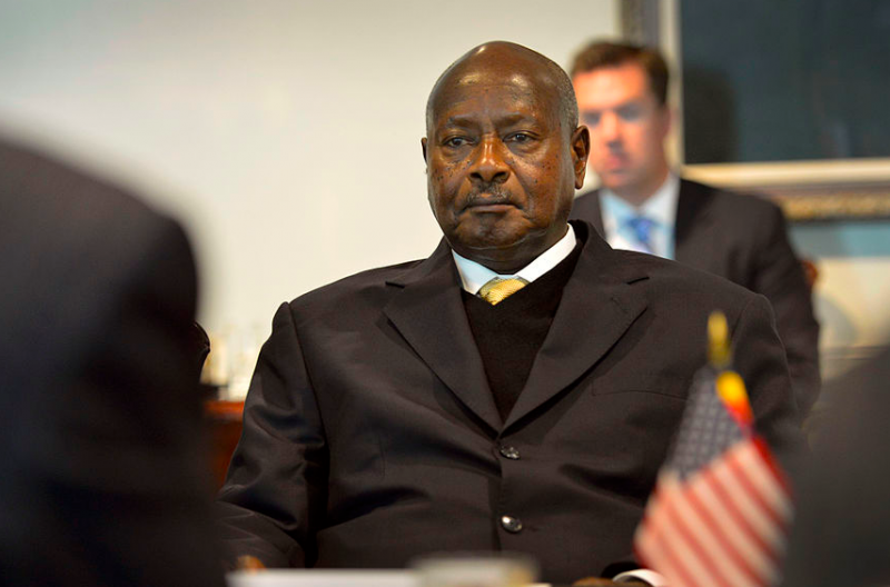 Yoweri Musveni at a meeting with the US Department of Defense, 2013. Photo by Glenn Fawcett for DoD, released to public domain.