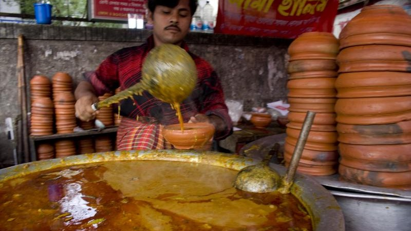 Shahi Haleem (a meat lentil stew/soup).  Image by Reporter#11455. Copyright: Demotix (5/9/2009).
