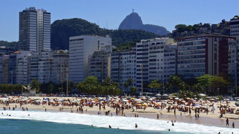 Rio de Janeiro's Strand Leme, in der wohlhabenden Südzone. Foto von Flickr Nutzer armandolobos CC-BY-NC-SA