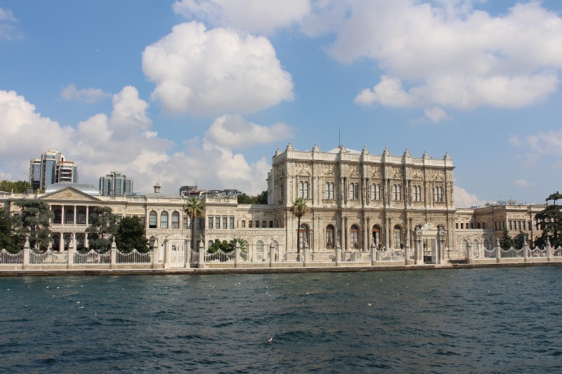 The peaceful exterior of the Dolmabahçe Palace. Photo by Jack Hennessy.