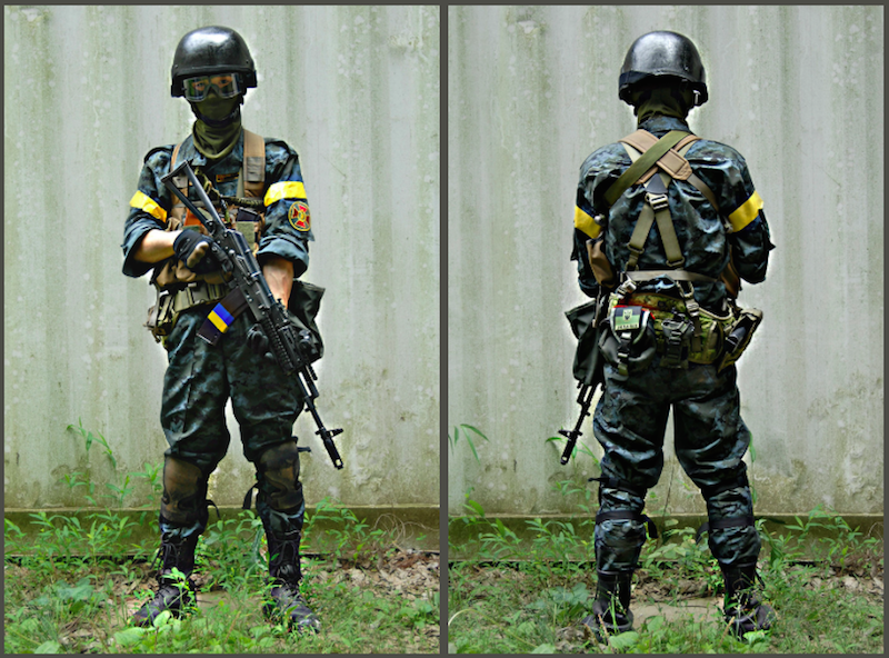 A Japanese airsoft/strikeball player dressed in meticulously recreated Ukrainian military costume. Image from http://kumanori0108.militaryblog.jp/.