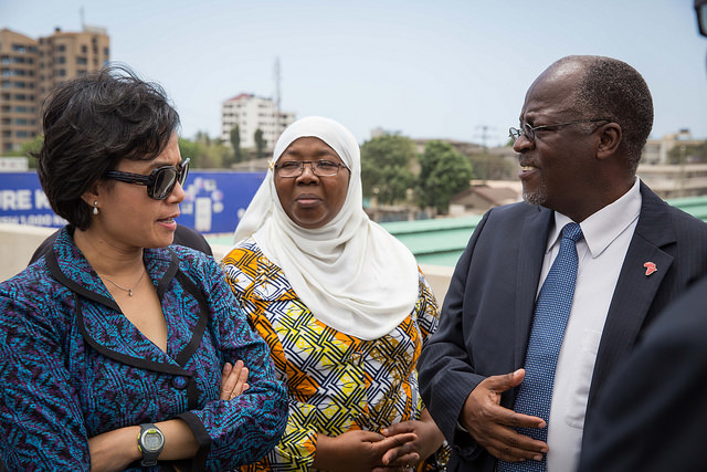 Tanzanian President John Magufuli with World Bank Managing Director Sri Mulyani Indrawati in Dar Es Salaam, Tanzania. Photo released under Creative Commons by the World Bank.