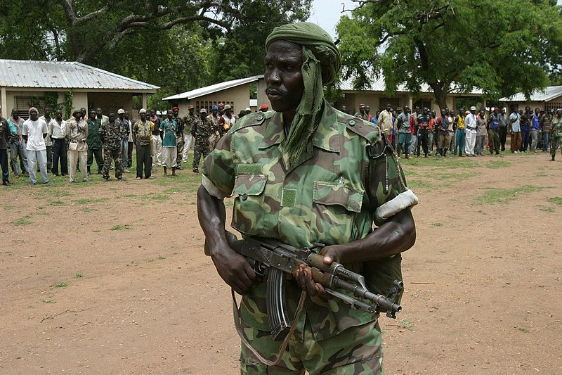 Rebel militia in Central African Republic. Pope hopes to bring peace and reconciliation in the country. Image released under Creative Commons by Flickr user hdptcar.