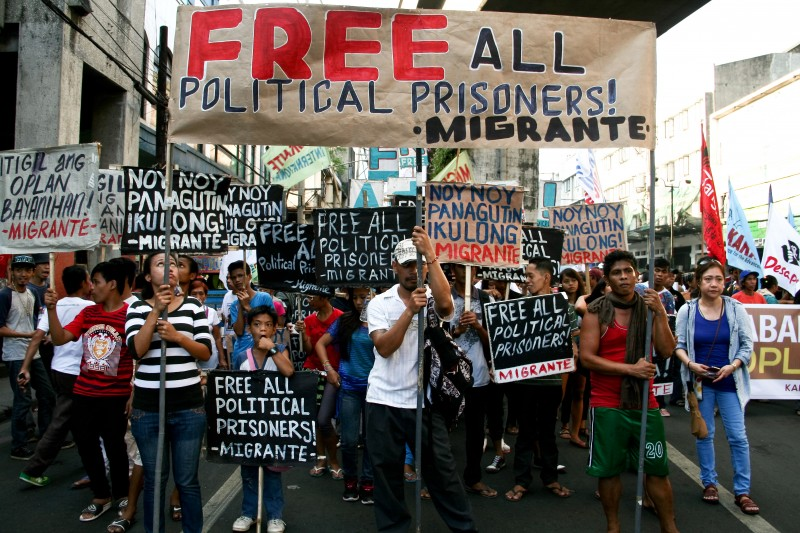 Protesters calling for the release of the political prisoners allegedly detained by the Aquino administration. Photo by J Gerard Seguia, copyright @Demotix (12/10/2015)
