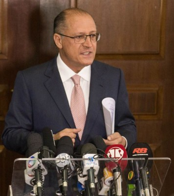 São Paulo state governor Geraldo Alckmin announced on a press conference this afteroon the suspension of his reorganization policy