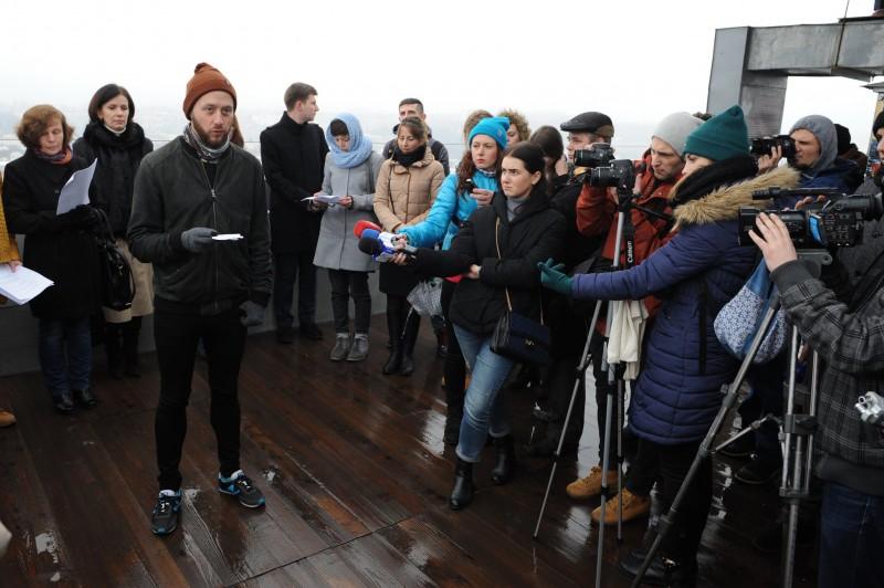 Andres Glette, norwegian social activist, reading the Declaration
