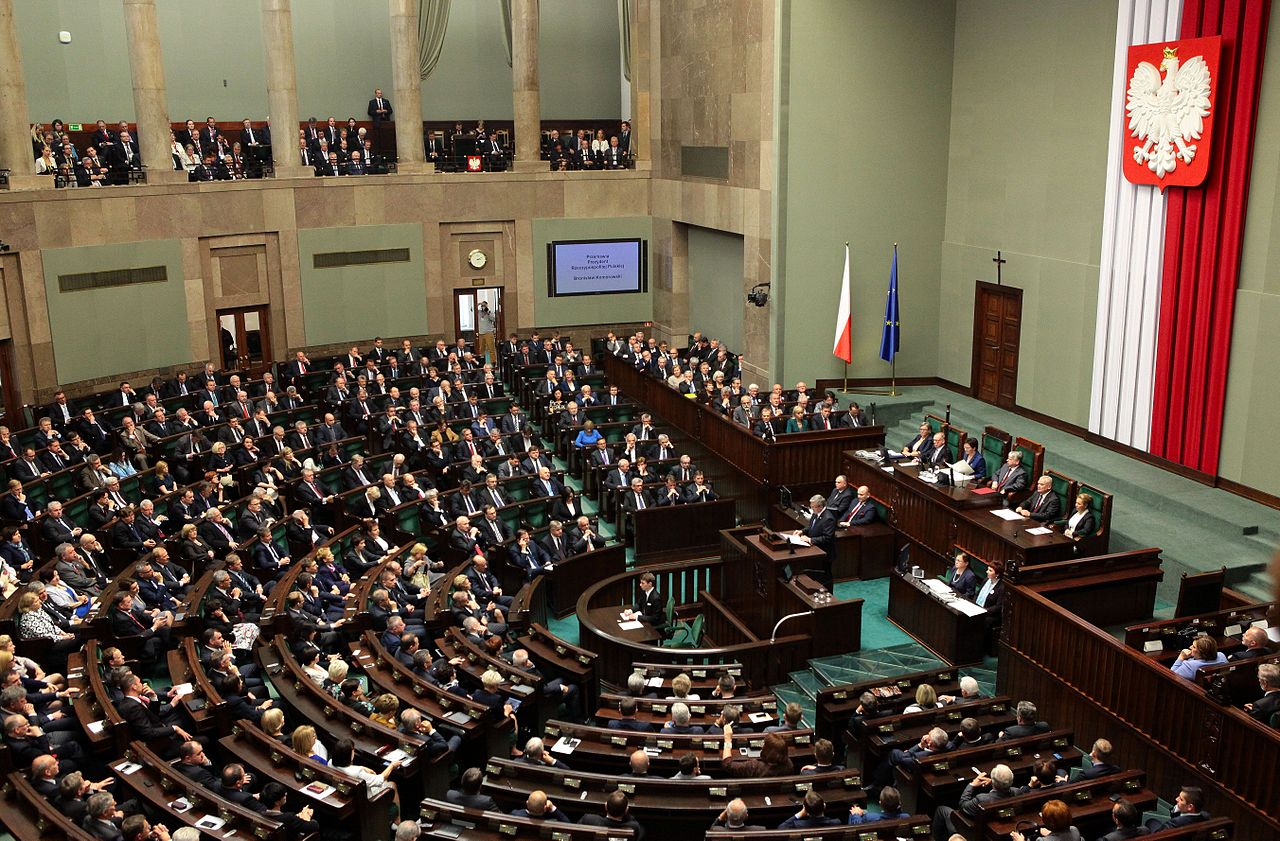 A Polish National Assembly sitting on June 4th 2014. Photo by Katarzyna Czerwińska, CC BY-SA 3.0.