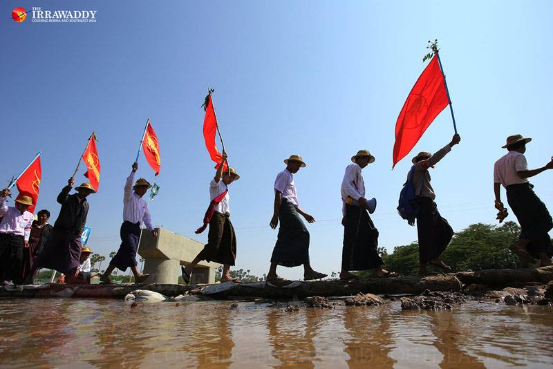 Student protesters demonstrating against what they call the repressive National Education Law leave Taungtha, Mandalay Division on Jan. 28, 2015. Photo by J Paing / The Irrawaddy