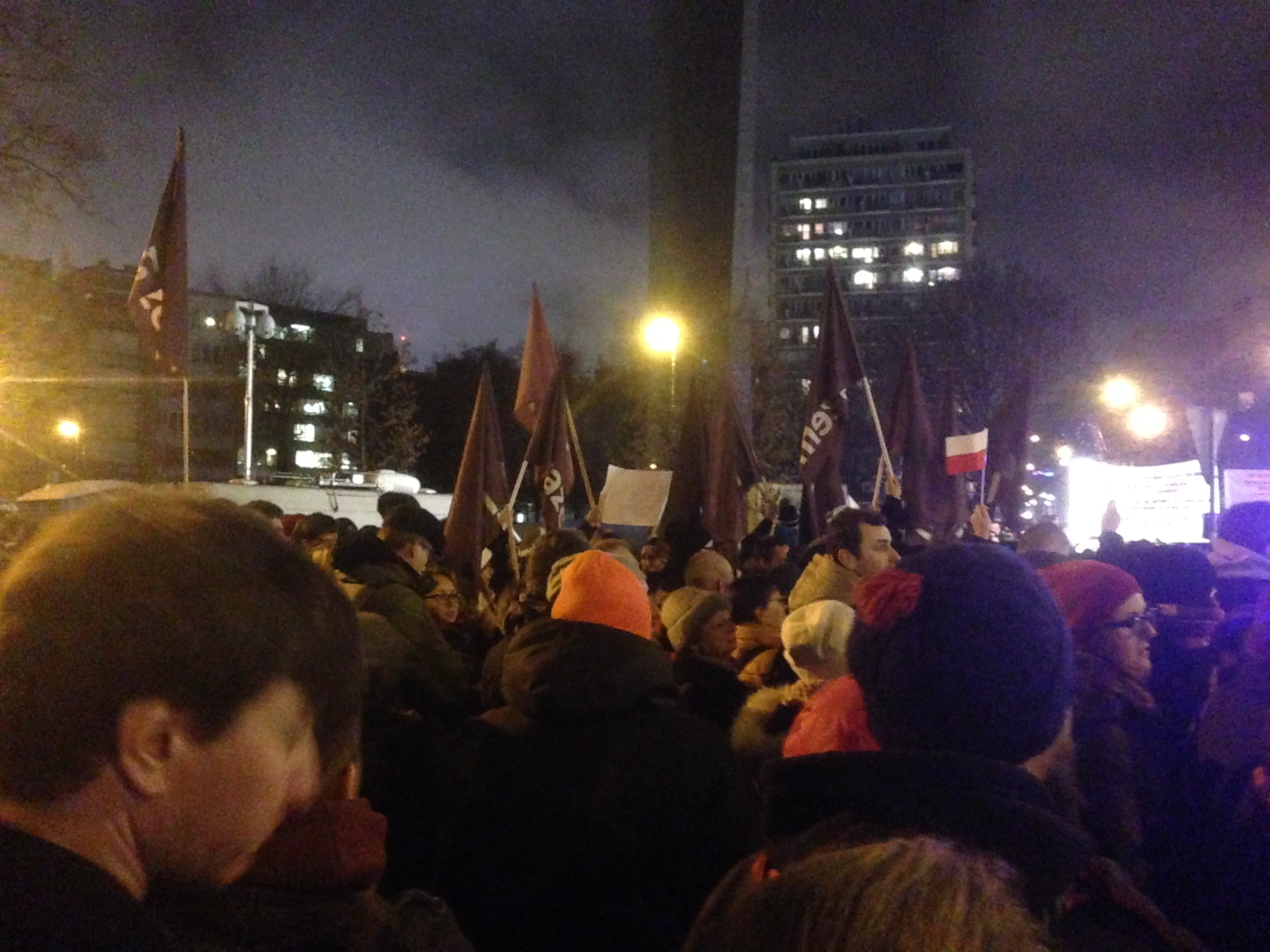 Protest in front of the Parliament building. December 2nd 2015, Photo by Anna Gotowska CC 2.0