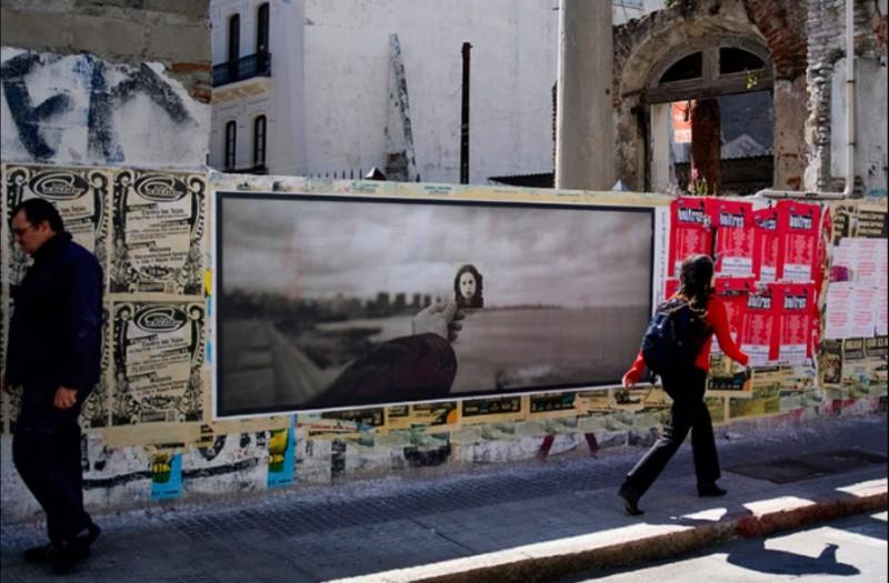 Одна из фотографий проекта Miradas Ausentes в Монтевидео. Фотография Juan Urruzola, публикуется с разрешения.