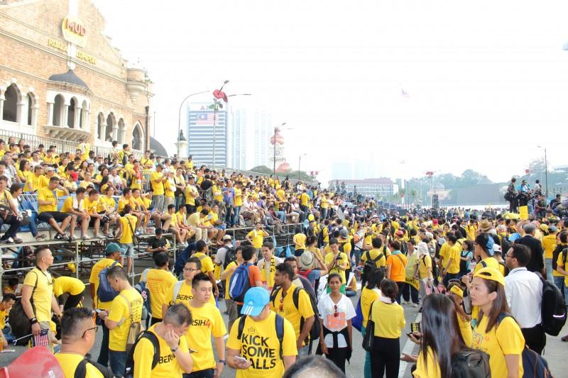 A Bersih (változás) elnevezésű tüntetésen több mint százezren vettek részt – Délkelet-Ázsiában ez volt a legnagyobb tüntetés 2015-ben. A demonstrálók a korrupciós botrányba keveredett maláj miniszterelnök lemondását követelték. Fotó: Emran Mohd Tamil © @Demotix (8/29/2015)