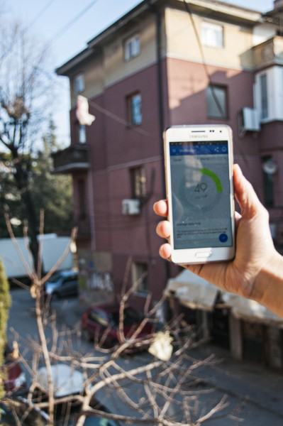 "Using ""My Air"" app on a sunny day in Skopje. Photo by Dona Dzambaska, CC-BY."