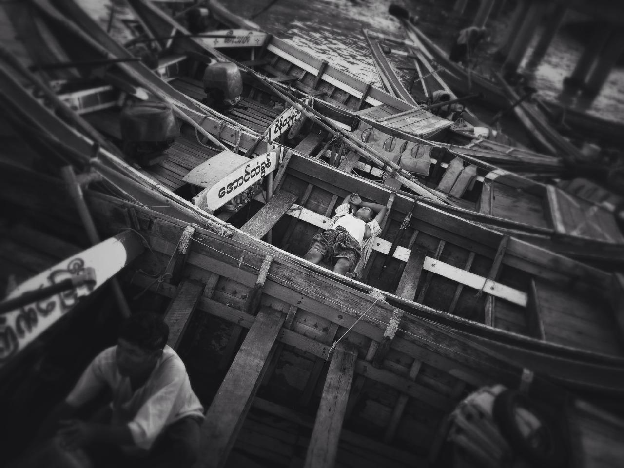 Life of Ferry Boats Yangon, MMR. 2015 © Thet Paing Htay