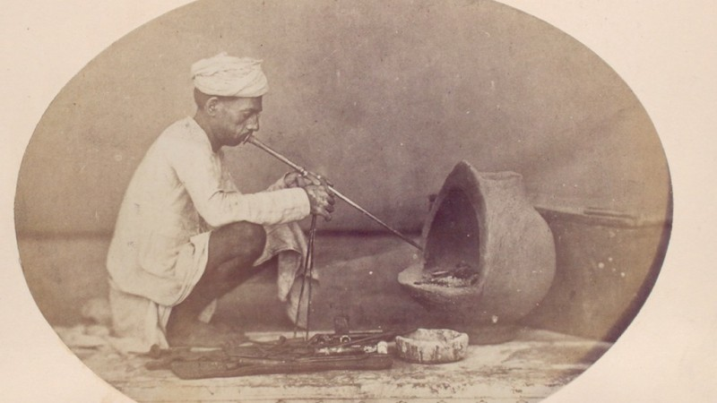 A Hindu Goldsmith (Sonar) (1868 - 1875) Photo from The New York Public Library Digital Collections