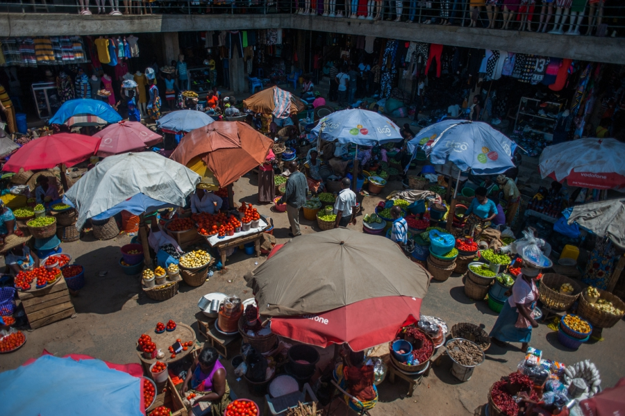 Once again, women dominate Tudu Market and others like it in central Accra. Credit: Yepoka Yeebo. Used with PRI's permission