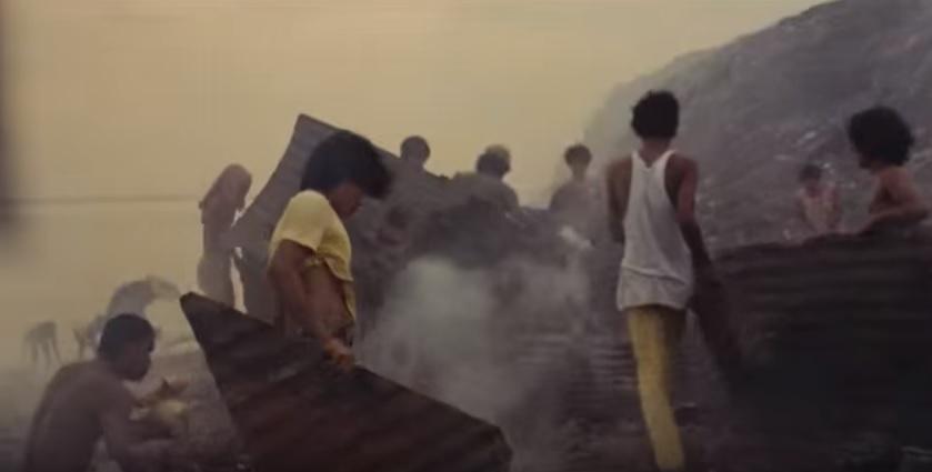 لقطة من فيلم مانيلا في مخالب النور
