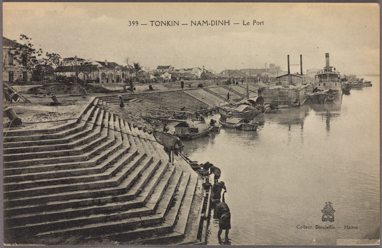 Nam-Dinh Pier. Photo from The New York Public Library Digital Collections, 1911
