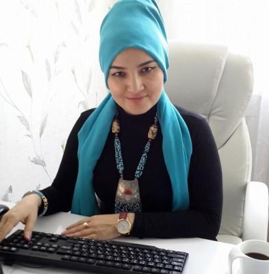 Known Facebook ladies of Tajikistan: Manizha Khaitova