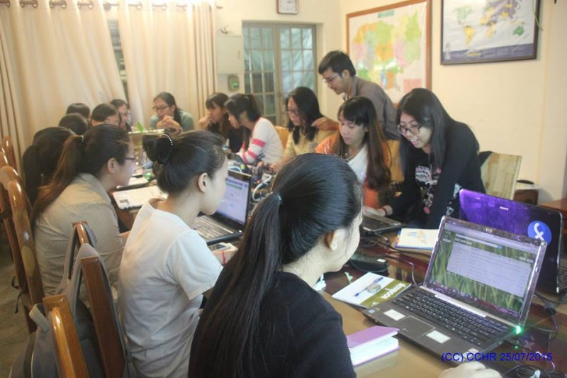 A group of women bloggers in Cambodia conducting a training seminar. Photo from the Facebook page of The Cambodian Center for Human Rights.