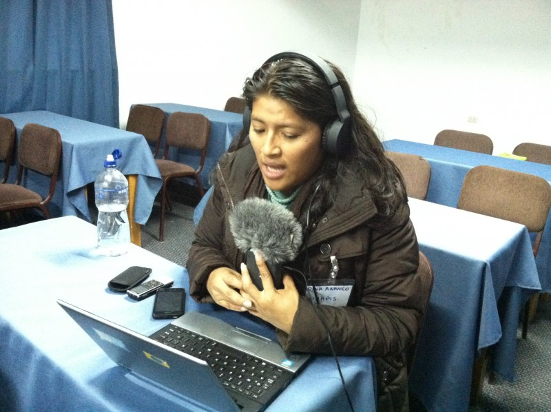 Audio podcasting workshop. Photo by Christine Mladic Janney.