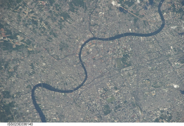 Chao Praya River runs through Bangkok. Thailand. Image courtesy of the Earth Science and Remote Sensing Unit, NASA Johnson Space Center