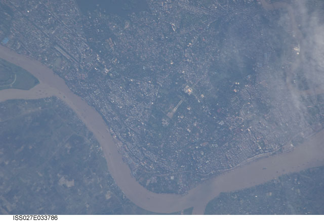 Rangoon River and Inya Lake in Yangon, Myanmar's largest city. Image courtesy of the Earth Science and Remote Sensing Unit, NASA Johnson Space Center