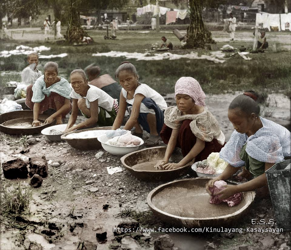 Washing clothes in Manila during the early 1900s. Image from the Facebook page of Kinulayang Kasaysayan, used with permission