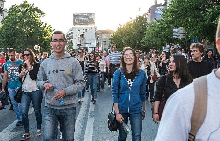 Borjan Eftimov (on the left) participating in the protest few days before he was called for questioning by the police and detained in house arrest. Photo: Facebook.com/eftimov.borjan used with permission