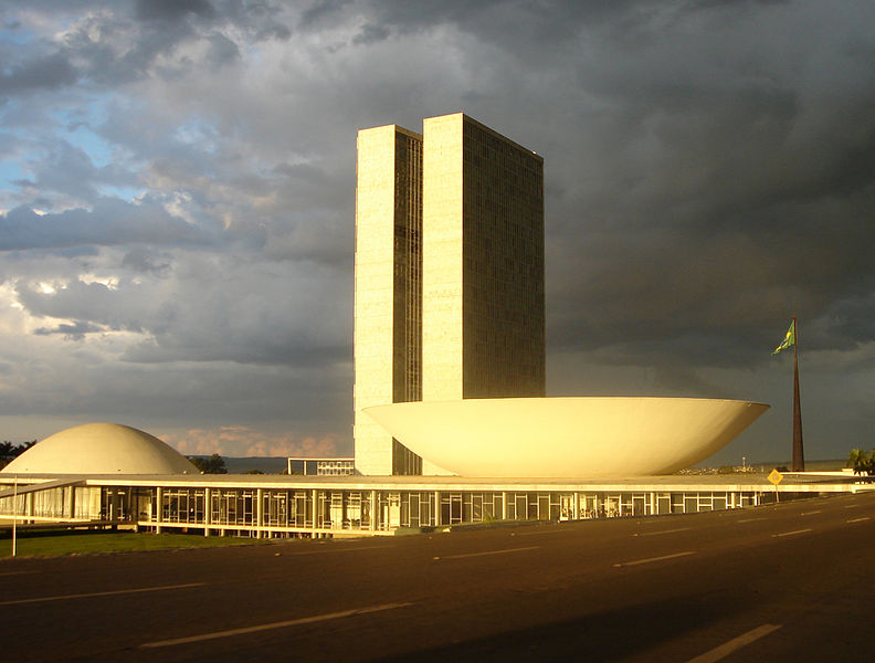 Brasil's national congress. Photo by Mario Roberto Durán Ortiz via Wikimedia. Released to public domain.