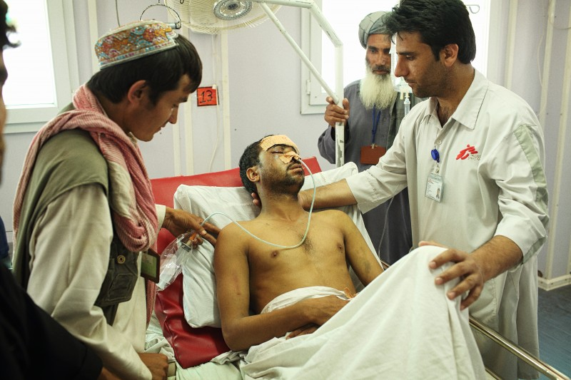 A man injured in a traffic accident is treated at Médecins Sans Frontières (MSF) Kunduz Trauma Centre. Andrew Quilty/Oculi. Permission to use.