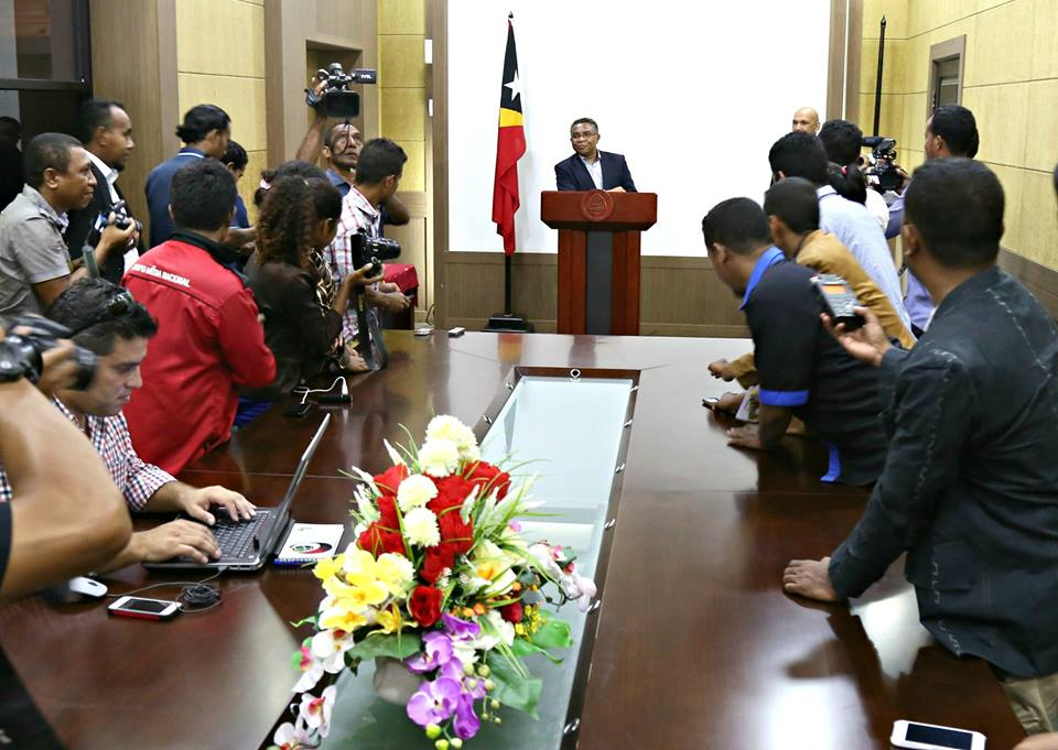 Timor Leste Prime Minister Rui Araujo meets a group of journalists during the World Press Freedom Day celebration in Dili, the country's capital. Source: Facebook page of Timor Leste's office of the Prime Minister