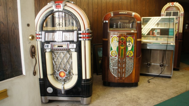 "Jukeboxes at Magdi Hanna's workshop in Los Angeles. ""We didn't have jukeboxes in Egypt,"" he says. Credit: Saul Gonzalez. Used with permission."