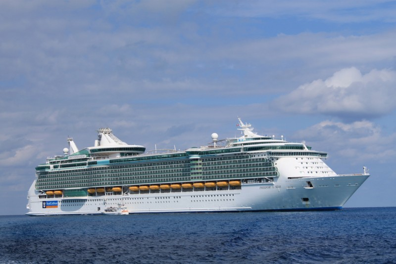 A Royal Caribbean cruise ship at sea. Photo by David Spinks, used under a CC BY 2.0 license.