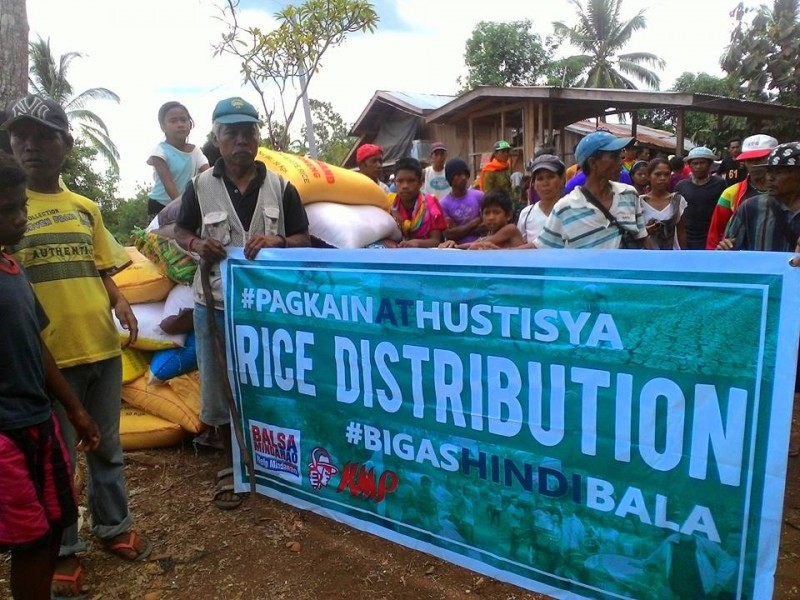 A rice distribution activity was held in the town of Arakan. Private groups donated the rice. Photo from the Facebook page of Bigas Hindi Bala