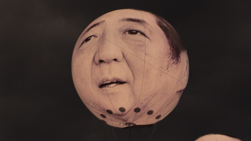 Shinzo Abe hot air balloon. Image: Metropolico.org / Flickr / CC 2.0.
