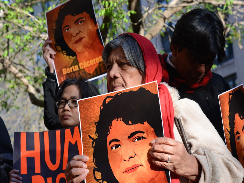 After the hearing on the human rights situation in Bajo Aguán held at the IACHR on April 5, 2016 , a vigil was held at the gates of the OAS by Berta Caceres , killed on March 3, 2016 in Honduras. Photo by Comisión Interamericana de Derechos Humanos. CC-BY-NC-SA 2.0