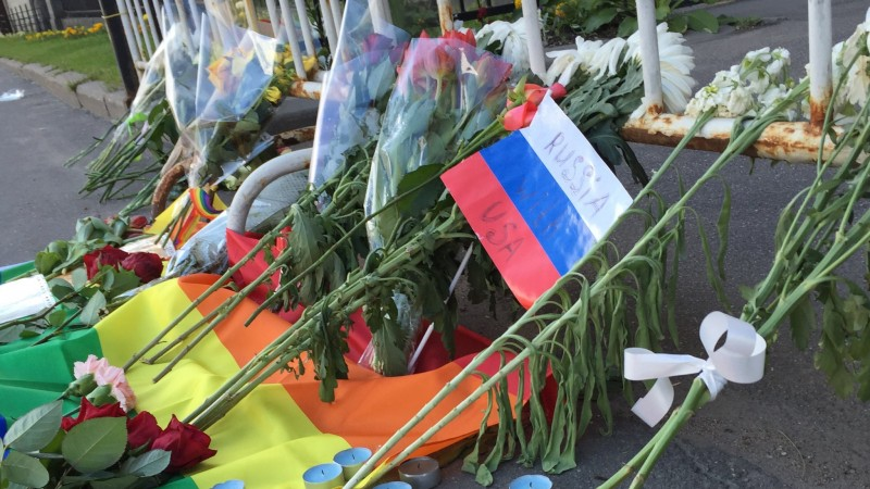 Flowers left outside the US embassy in Moscow. Photo: Will Stevens / Twitter