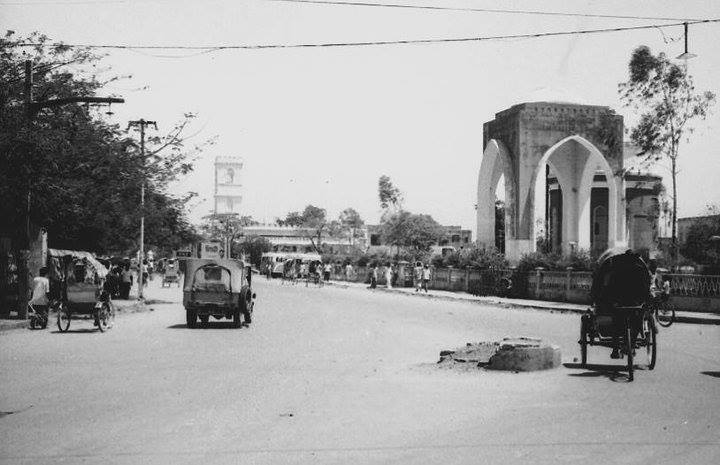 Victoria Park area. Sadarghat, Dhaka (1967). Photographer- Roger Gwynn. Photo courtesy- Bangladesh Old Photo Archive.