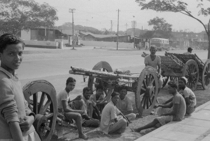 Handcart porters at New Market area. Dhaka (1965). Photographer- Roger Gwynn. Photo courtesy- Bangladesh Old Photo Archive.