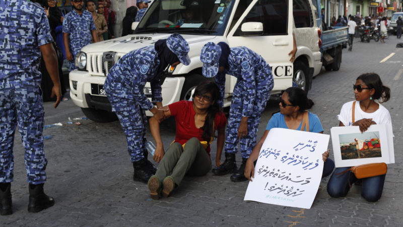 Maldives Police blocked May Day 2016 march organized by Maldivian civil society. Image from Flickr by Dying Regime. CC BY 2.0
