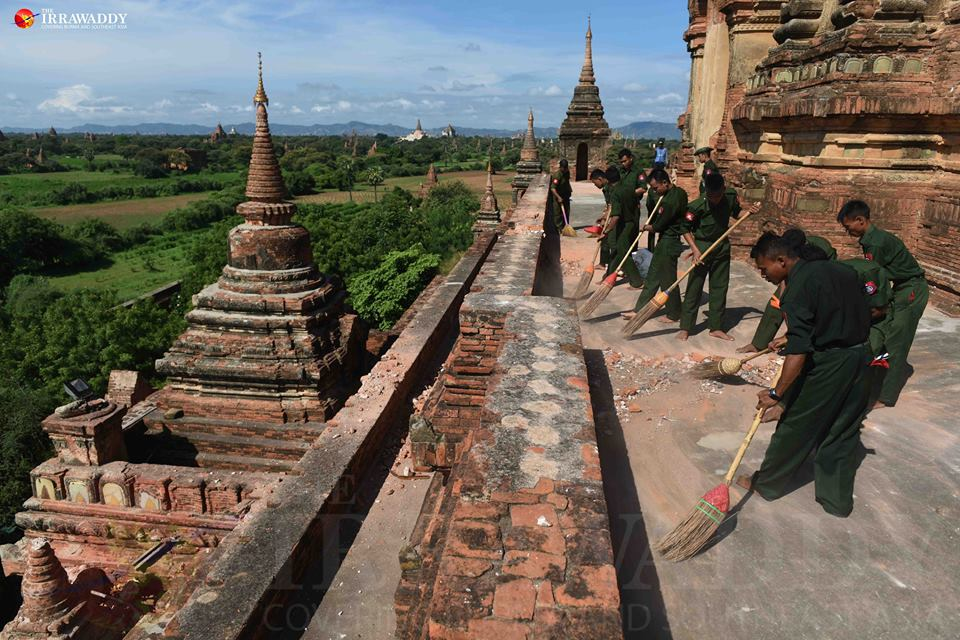 Soldiers collect the debris at famed Htilominlo Temple in Bagan. Photo by JPaing / The Irrawadd