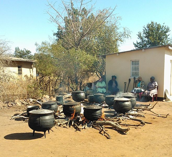 Three legged pots commonly used in Botswana. If a young woman eats out of them, she will not get married. Creative Commons image by Rach151.