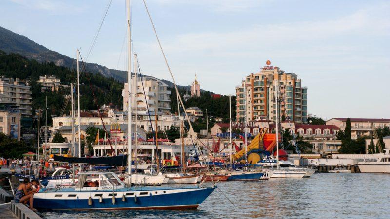 Yalta Harbor. Source: Victoria Vasilieva, Flickr