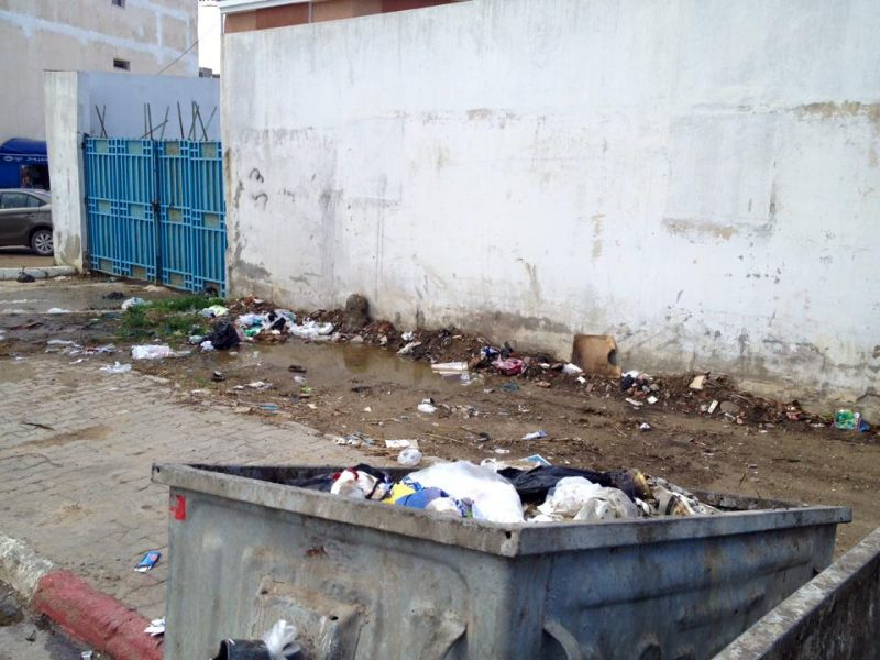 Garbage accumulates outside of a secondary school in Bizerte, Tunisia. Photo by Hamza Batti via Facebook.