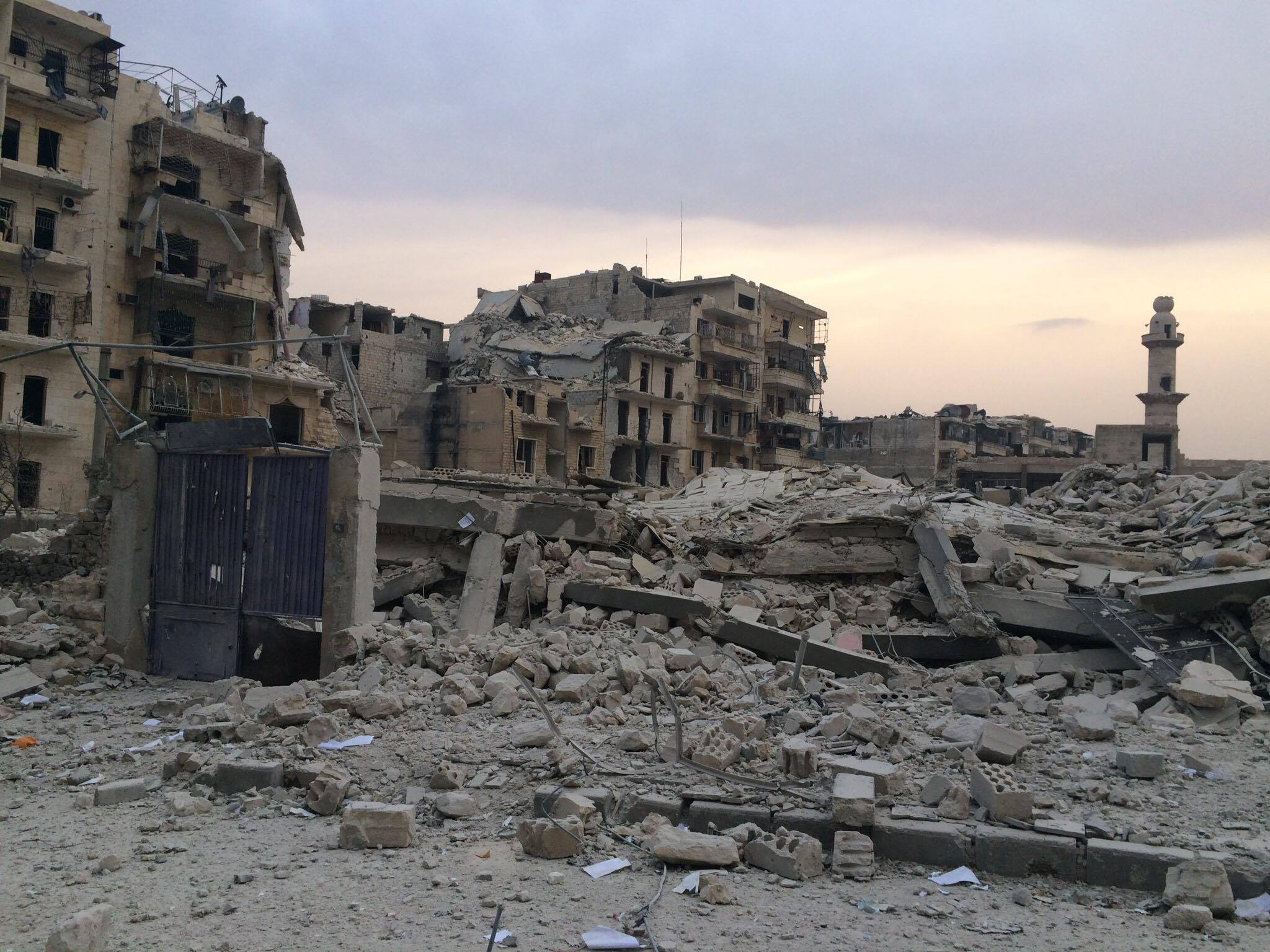 One of the many destroyed neighborhoods of Aleppo. Photo sent by Abdelrazzak Zakzouk to Global Voices.