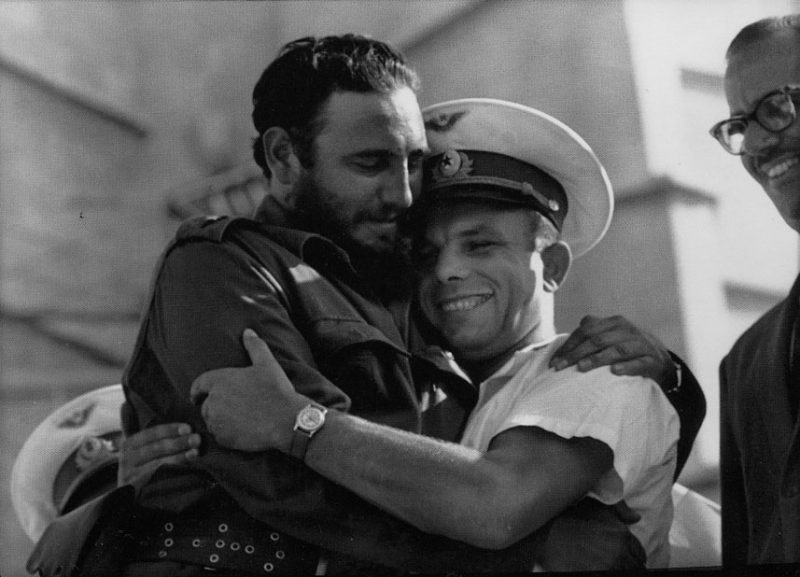 Fidel Castro meets cosmonaut Yuri Gagarin in Havana in 1961. Creative Commons.