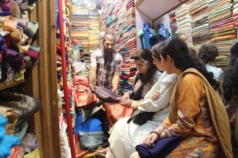 Many women shop in Liberty Market in Lahore, Pakistan. Credit: Carolyn Beeler/PRI