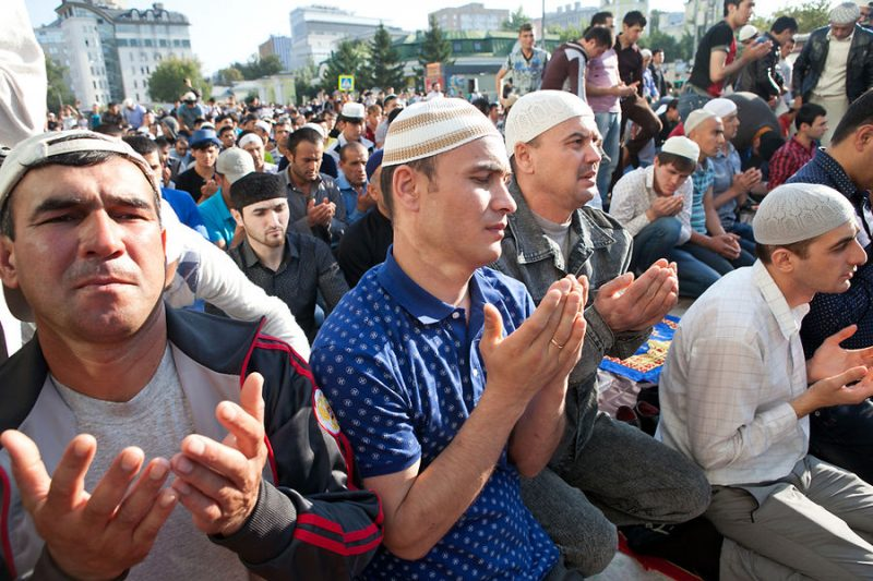 Tajik migrants pray for Eid al-Fitr in Moscow on August 8, 2013. David Trilling for Eurasianet.org. Creative commons.