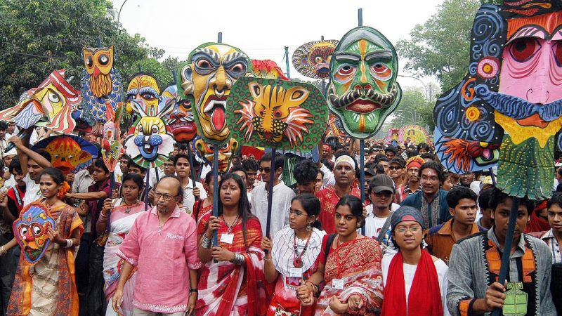 Mangal Shobhajatra, is a colorful rally which starts at the Graphics Arts Institute of Dhaka University in the morning of Pahela Baishakh, the Bengali new year. Image from Flickr by Aaapon. CC BY-NC 2.0